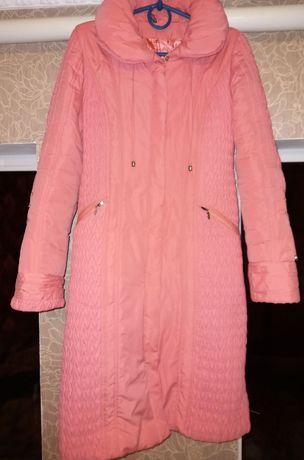 Жіноче пальто (куртка)