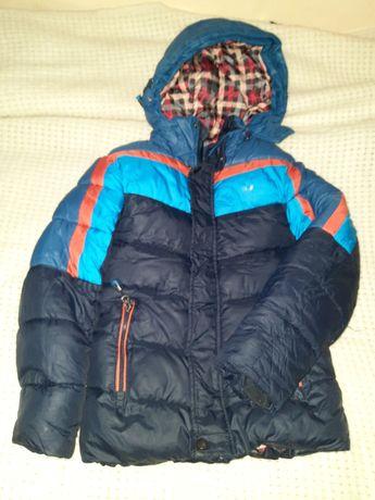 Куртка зимова 134р в гарному стані