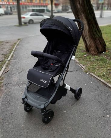 Детская прогулочная коляска JOY Fabiana супер легкая 6,8 кг