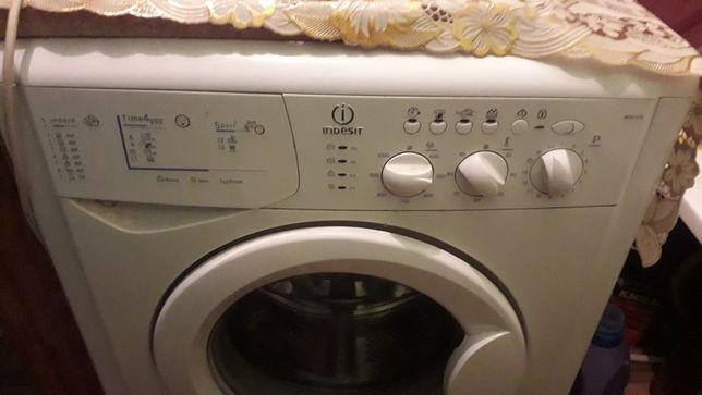 Продам стиральную машинку ,не рабочая на запчасти