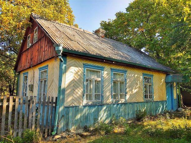 Продам будинок в центрі Володарськ-Волинського.