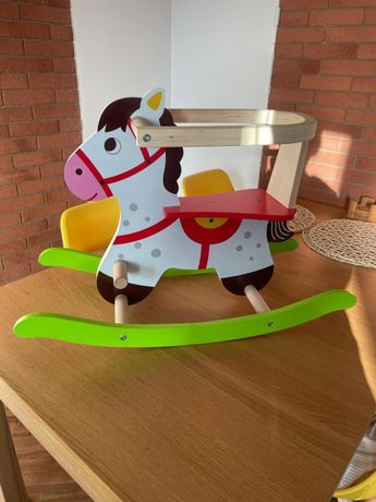Drewniany konik  , koń na biegunach , stan jak nowy