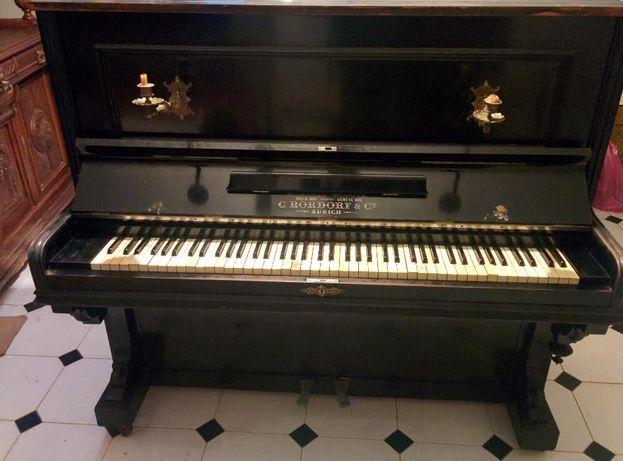 Piano vertical C. Rordorf & Cie. com mais de 100 anos