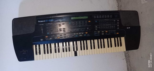 Roland E86 z wadami