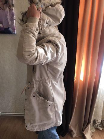 Продам куртку у відмінному стані