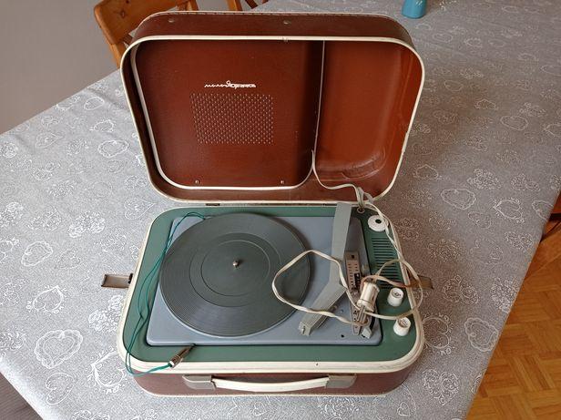 Przenośny gramofon retro vintage