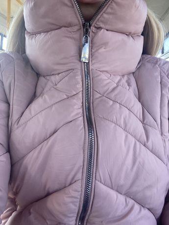 Стильная теплая нежно-розовая курточка/пуховик