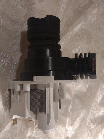 обменяю насос помпу,с разборки, посудомойки AEG на инструмент.