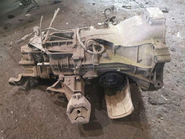 Skrzynia biegów AUDI 100 C4 2.3E