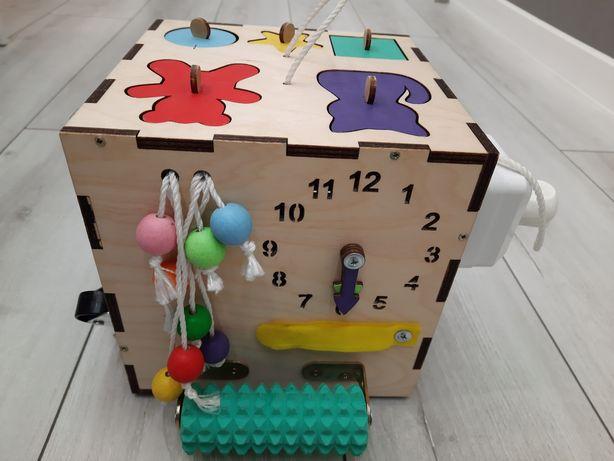 Бизикуб развивающая игрушка