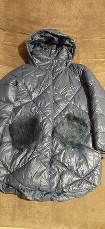 Пальто девичье  《Reserved》.