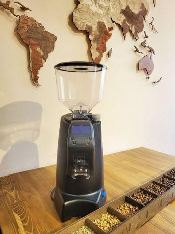 Кофемолка Eureka ZENITH 65 E. Гриндер профессианальный. Прямой помол