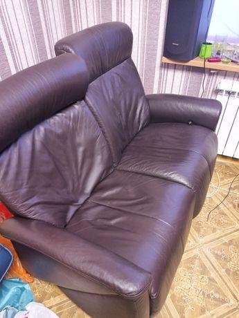 Кожаный диван реклайнер. Акция