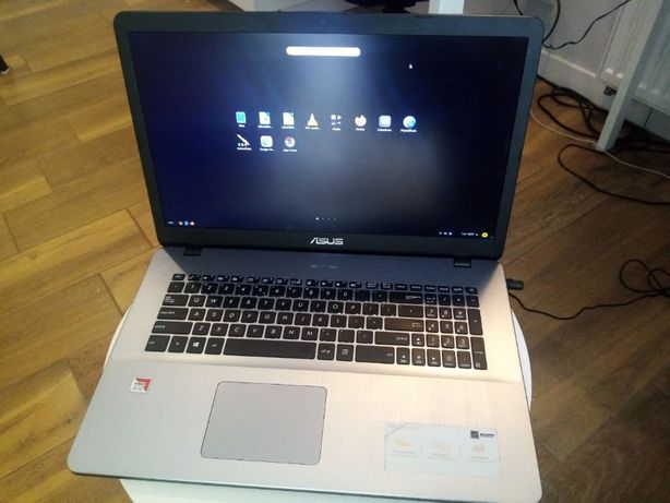 Laptop ASUS, 17cal, 8GB, SSD-256GB, AMD, Linux