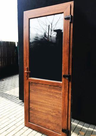Drzwi PCV Złoty Dąb nowe 90X200 sklepowe szyba panel