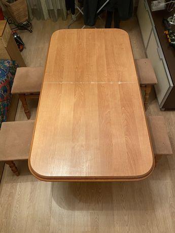 Стол кухонный с табуретками