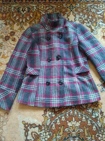 Отдам пальто весна-осень розмер 48.