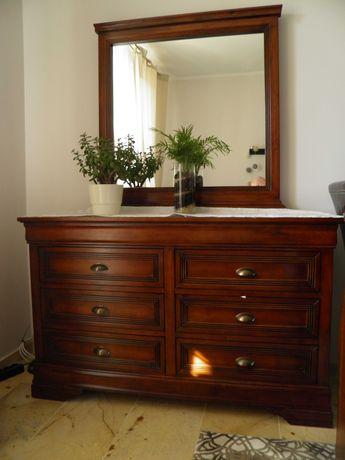 Drewniane lozko, komoda i 2 szafki nocne