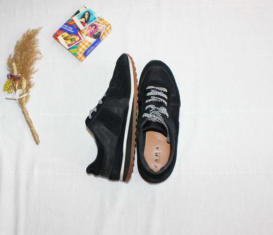 Отличные классические кроссовки ZARA 41- 42 размер 27 см