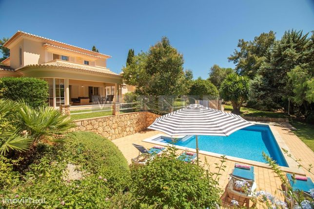Carvoeiro Algarve, para venda, vivenda de luxo V3 com piscina e garage