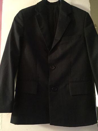 Продам школьную форму костюм брюки и пиджак