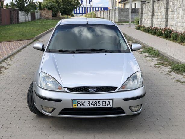 Автомобиль Ford Focus 1