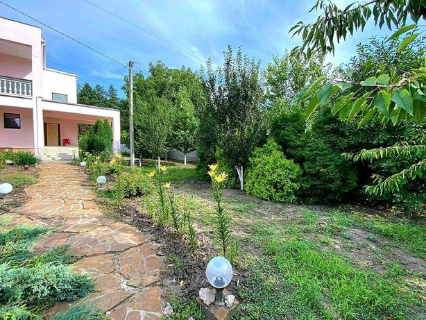 Продается стильный дом в Песчанке, берег- лес