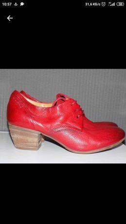 Кожаные стильные женские туфли 39 р A.S.98