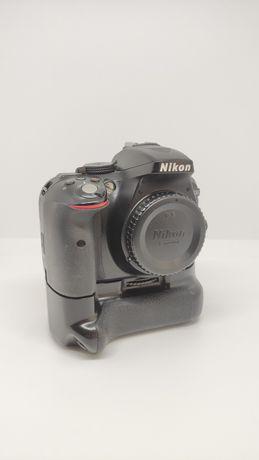 Nikon D5300 Impecável, Oferta de punho e 4 baterias
