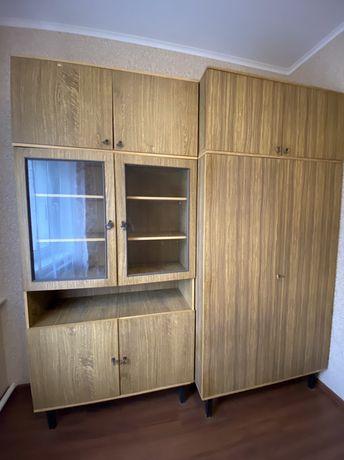 Мебельная стенка в хорошем рабочем состоянии!