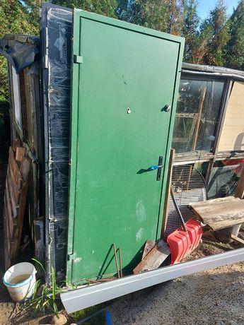 Drzwi stalowe (porządne) szer 80cmx2m z 2 zamkami drzwi lewe