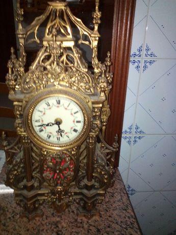 vendo relógio em ferro