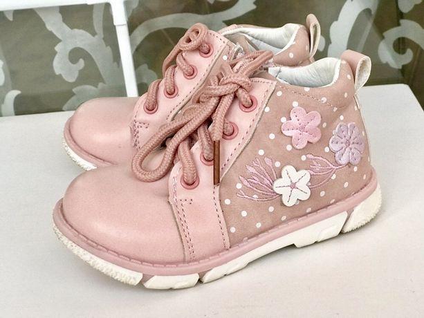 Clibee ботинки ботиночки розовые для девочки демисезонные на осень.