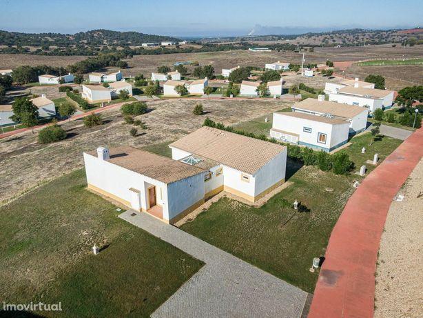 House/Villa/Residential em Beja, Cuba REF:951_2V