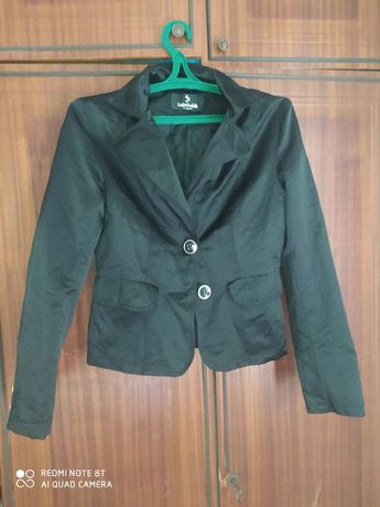 Продам пиджак для девочки