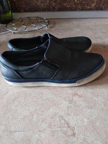 Обувь для мальчика 33размер
