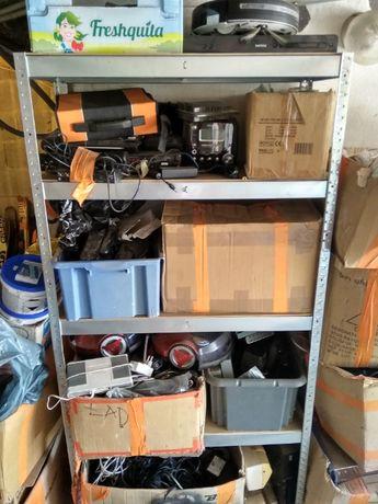 Elektronika, amplitunery, różne ciekawe przedmioty, przewody, kable
