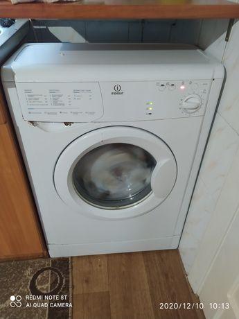 Indesit пральна машинка робоча