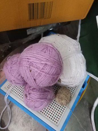 Отдам все вместе нитки для вязания за 30 грн