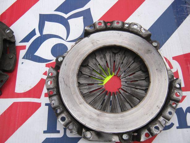 диск сцепления на ваз випусний колектор супорт