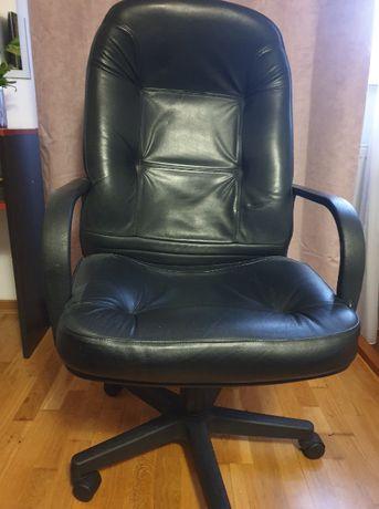 Fotel dyrektorski- czarna skóra