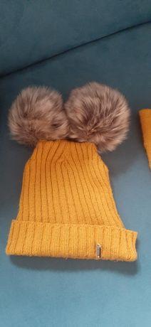 Musztardowy zimowy komplet czapka i komin duże pompony r.92-98