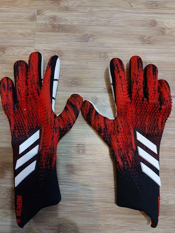 Перчатки вратаря Predator 20 pro размер 10