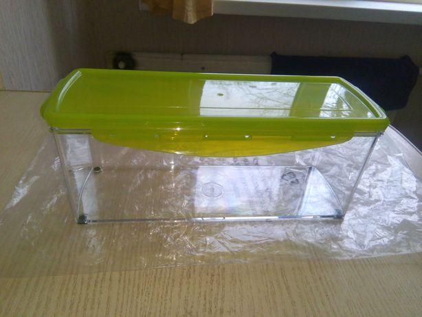 Пищевой (харчовий) контейнер с крышкой