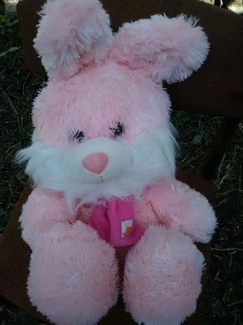 Мягкая игрушка – большой розовый заяц