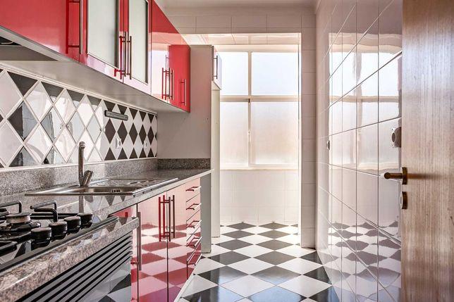 Apartamento renovado para arrendar perto da Escola ESSA Barreiro