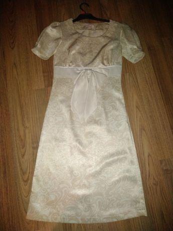 Sukienka z kokardą 36