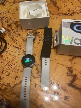 Смарт-часы SAMSUNG Galaxy Watch Active Silver