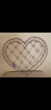 Металлический настенный держатель «Сердце» для заметок и фото