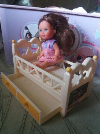 Кроватка и куколка Evi